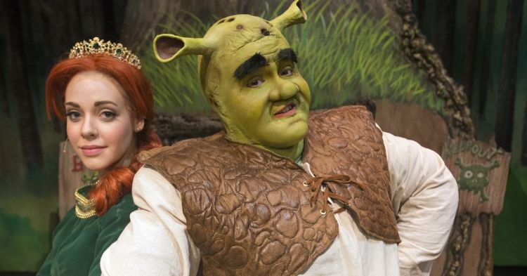 636053273954059064-Shrek-The-Musical-Shrek-Fiona-2
